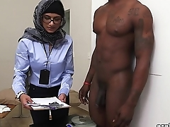 Mia Khalifa be passed on Arab Pornstar Measures White Cock VS Black Cock (mk13768)