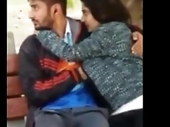 desi sexy girlfriend suking cock in park