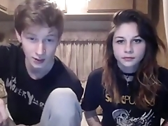 Teen couple enjoying blowjob and fuck == SeeMeLiveOnCam.com