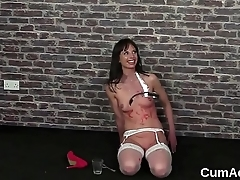 Spicy peach gets cum load on her face sucking all the cream