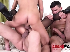 Exotic Bitch Daphne Klyde air tight DP from 3 guys with Squirting