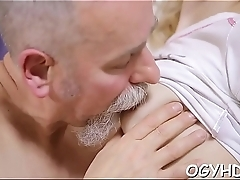 Old bulky dude drills young pussy