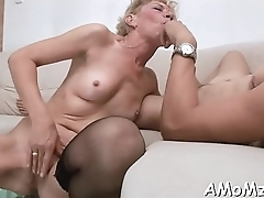 Hungry mom can'_t live without face hole fucking